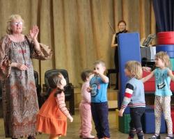Урок-концерт в Большой гостиной «Как дети помогли Маше братца Ваню найти». 03/04/16г.