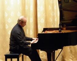 Концерт Заслуженного артиста России Виктора Гинзбурга 02/04/2017